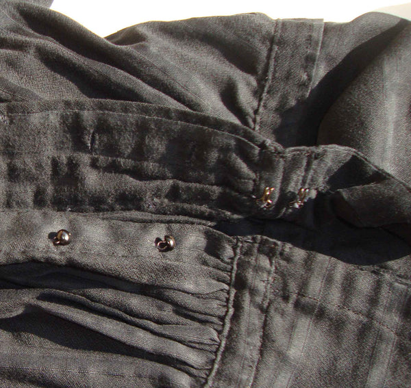 Close Up Antique Shirtwaist