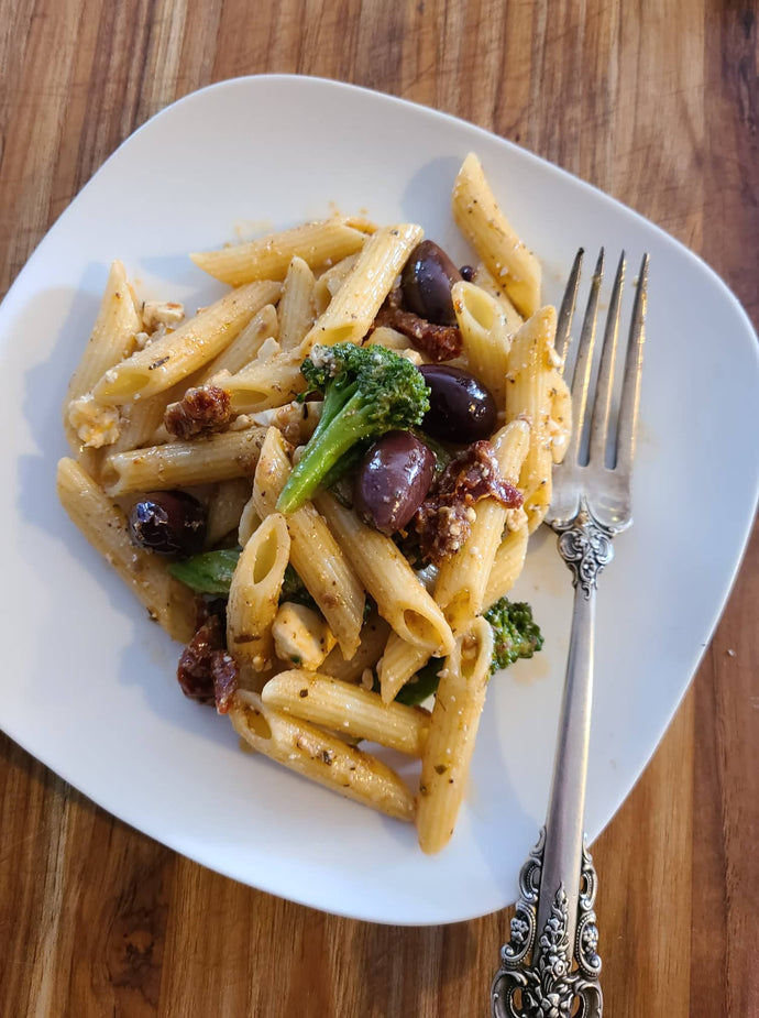 Penne Pasta with Sundried Tomato and Olive Sauce