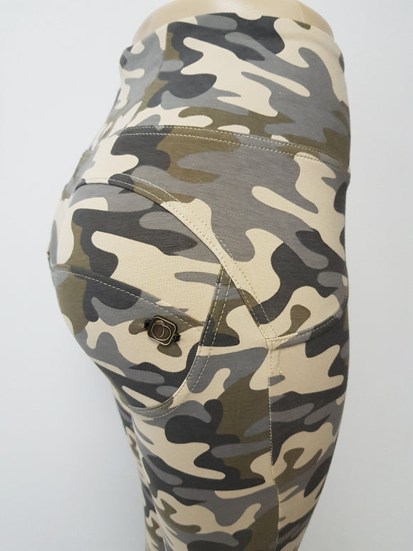 Peaches Special Edition Camo High waist shaping pants (FS) - Merchant Hunter