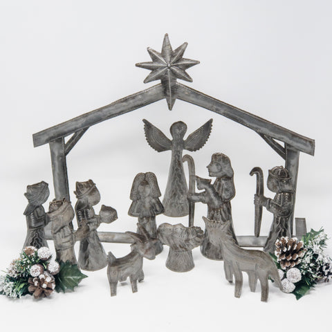 Individual Nativity Metal Art Set