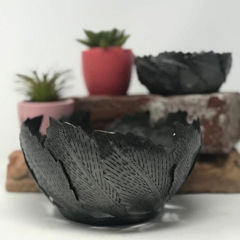 Small Metal Art Leaf Bowl Set