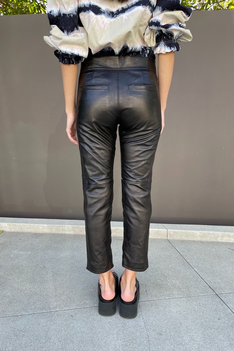 Cropped Zip Cuff Pants in Black