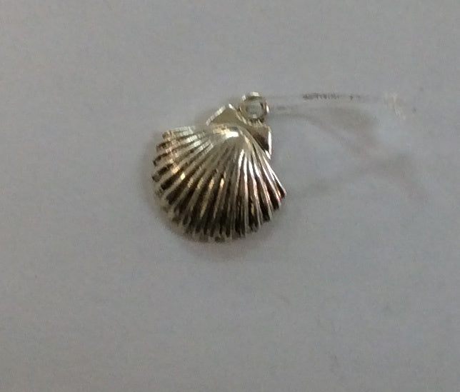 Sterling Silver Charm, Clam Shell 3D