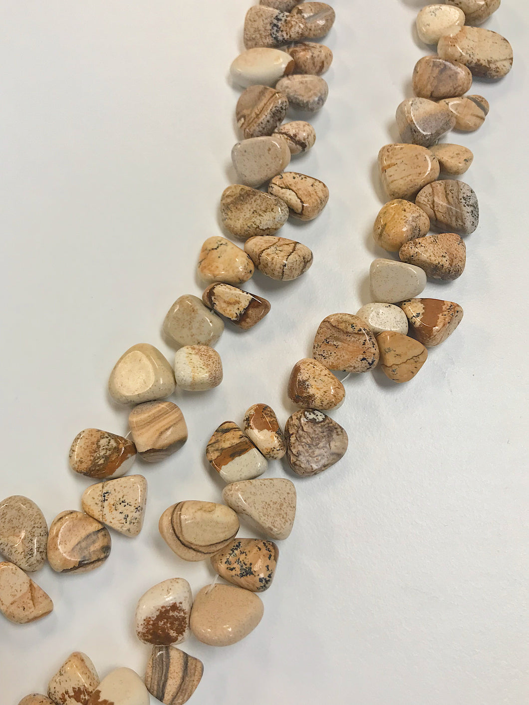 Picture Jasper Top Drilled Chips 5-15mm x 8-15mm 16