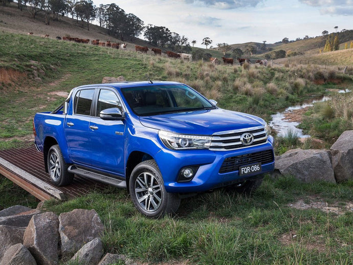 Toyota HILUX DIESEL Invincible D/Cab Pick Up 2.4 D-4D Auto