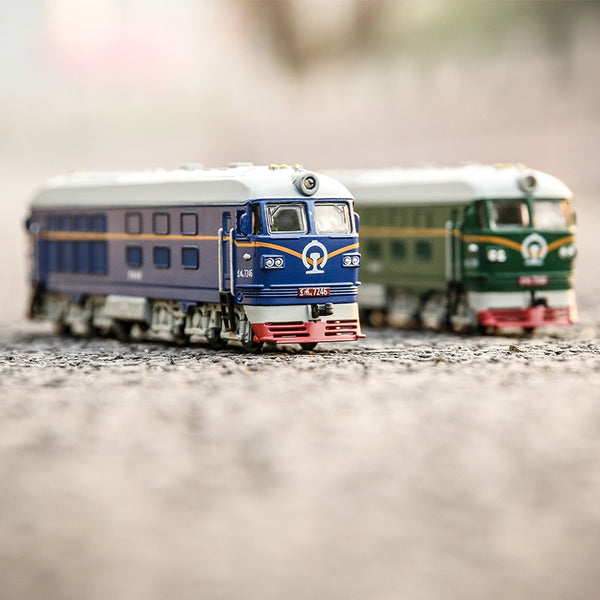 1:87 Classic Train Toys Model Kids Alloy Metal Sound & Light Emulation Electric Pull Back Car Christmas Gift Toys For Children