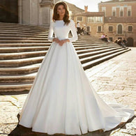 Eightree A-Line Wedding Dress with Long Sleeves Backless Satin vestido de noiva Appliques Sweep Train Bridal Gown robe de mariee