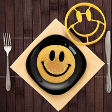 Smiley Face Pancake Mold