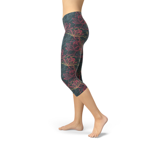 Womens Floral Lotus Capri Leggings