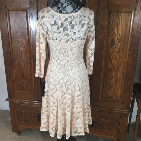 Chetta B Blush Pink 3/4 Sleeve Fit & Flare Lace Dress Size 10