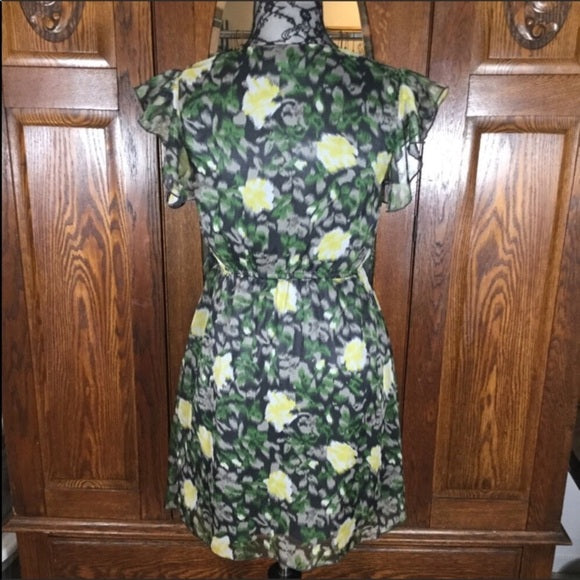 Ya Los Angeles Black, White, Green & Yellow Floral Print Short Sleeve Dress Size M
