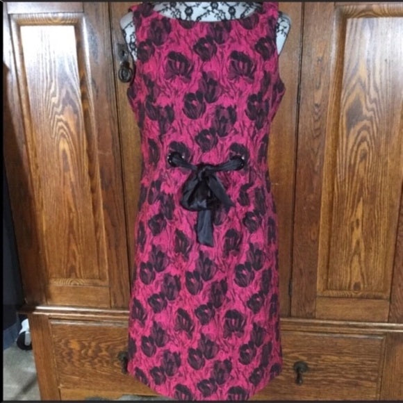 Taylor Red & Black Floral Print Sleeveless Shift Dress Size 10