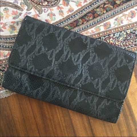 Bebe Black Snakeskin Print Envelope Clutch Purse Bag