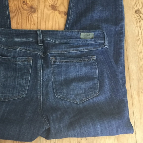 Gray by Saks Fifth Avenue Slightly Distressed Cropped Best Friend Jean Size 27