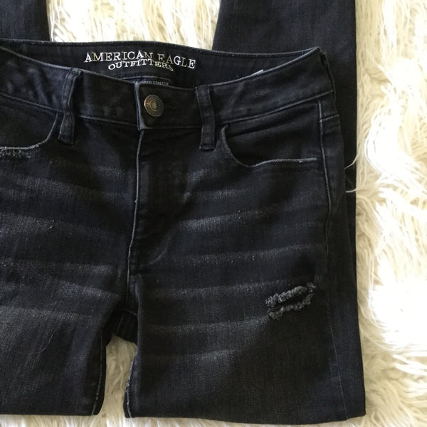 American Eagle Outfitters Black Super Stretch Distressed Ankle Jeggings Size 4