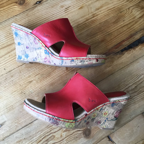 B.O.C Red Leather & Cork Floral Wedge Open Toe Platform Wedge Mule Sandal Size 9