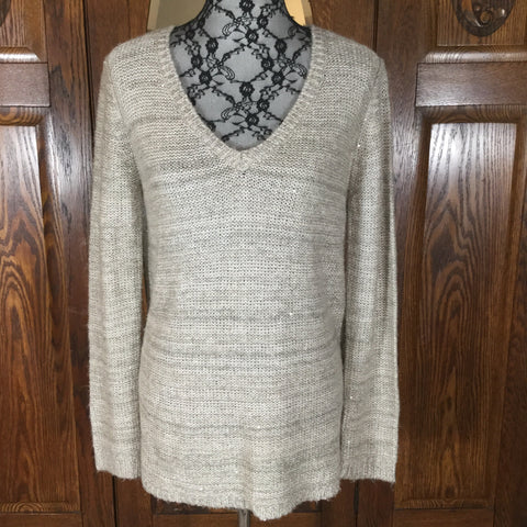 BB Dakota Gray & Silver with Sequins Long Sleeve V-Neck Sweater Size M