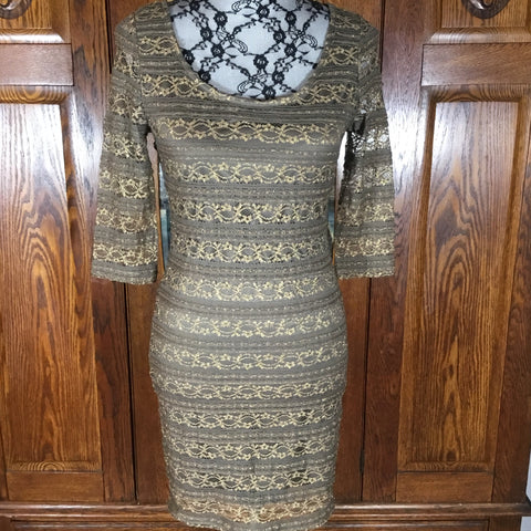 Forever 21 Gold Lace Body Con Scoop Neck Dress Size M