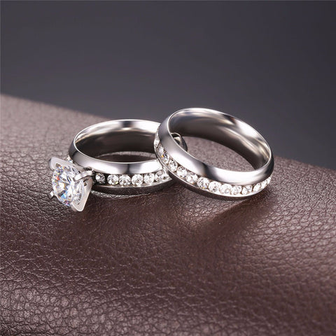 Image of New Hot Wedding Couple Band Rings For Men and Women Silver/Gold Color Wholesale Rhinestone Luxury Brand Bridal Set Ring R442