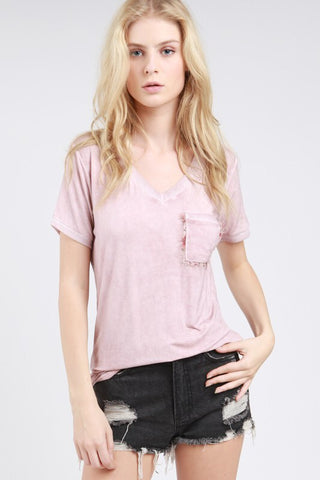 V-neck tee w/accent pocket