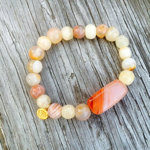 Agate & Lotus charm beaded bracelet