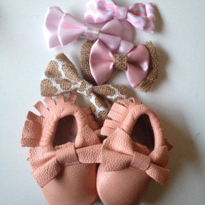 BLUSH PINK Baby Moccasins Blush Toddler Moccasins Pink Toddler Moccs Baby Girl Moccasin Light Pink baby Moccassins Christmas Gift Bow Moccs