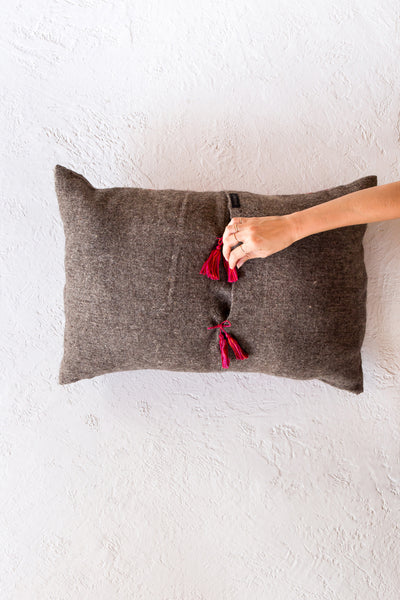 Chamula dot pillow  - gris