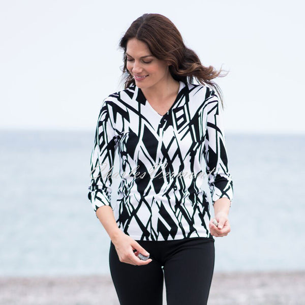 Marble Sweater – Style 5591-101 (White / Black)