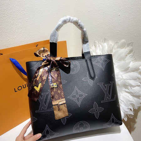 15cm L Clutch Bag