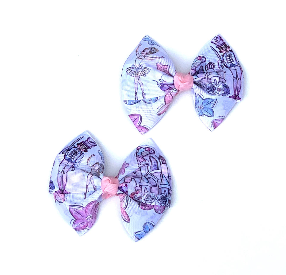 Large double bow tie