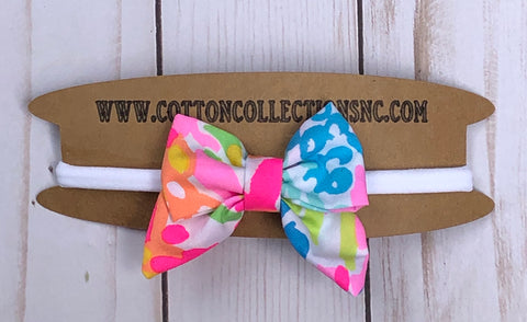 Lilly hair bow, lovers coral
