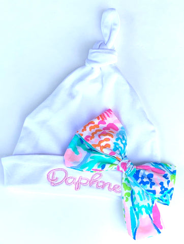 Infant hat with name and Lilly bow