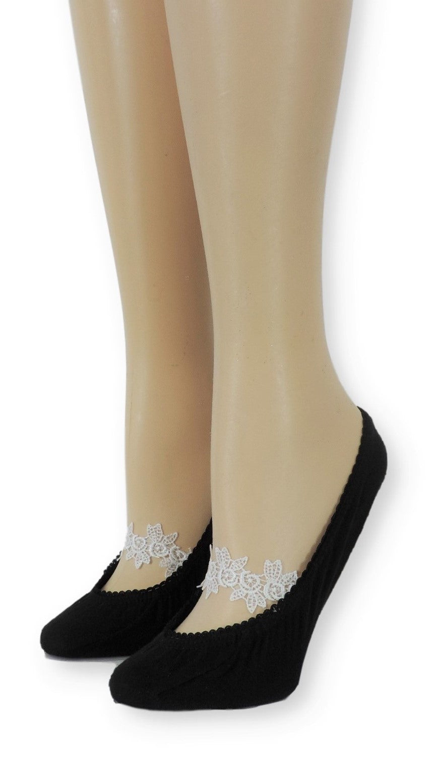 Ankle Socks with White Flower Lace