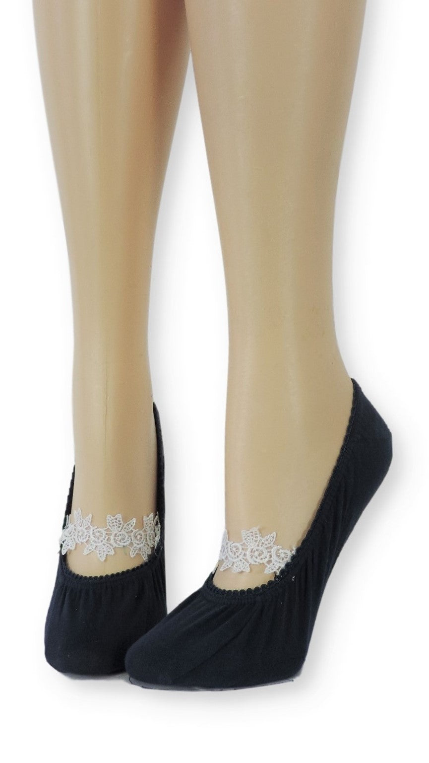 Sleek Ankle Socks with Floral white Lace