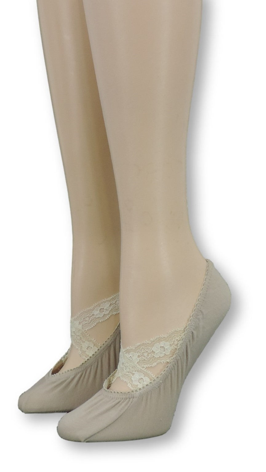 Ankle Socks with cream Crossed Lace