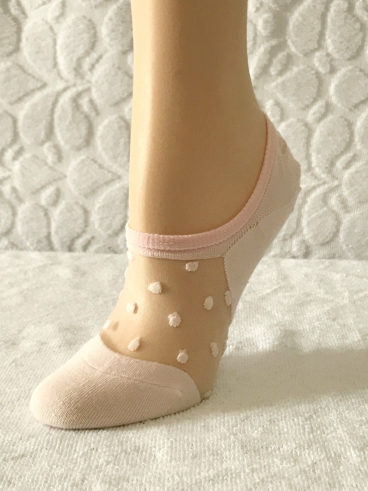 Dotted Creamy Pink Ankle Sheer Socks - Global Trendz Fashion®