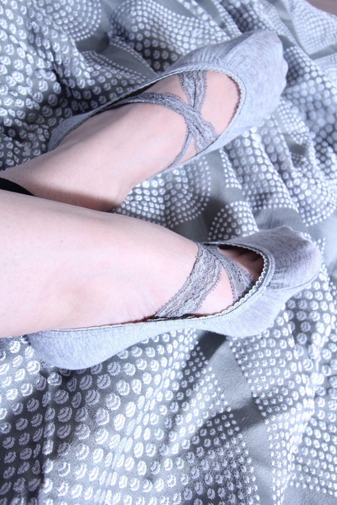 Grey Ankle Socks with crossed lace - Global Trendz Fashion®