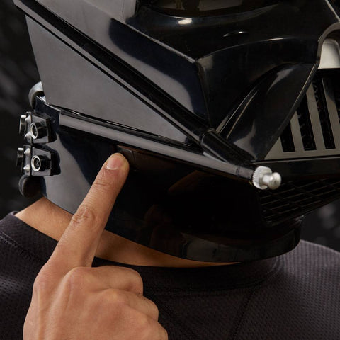 Casque Électronique Darth Vader - Star Wars Black Series par Hasbro-Very Bad Geek