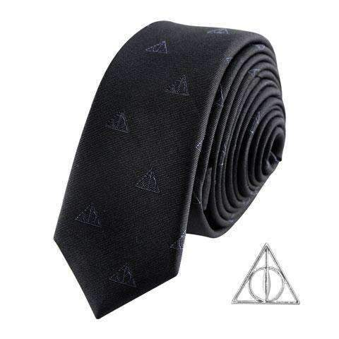 "Cravate Deluxe ""Reliques de la Mort"" avec Pin's - Harry Potter-Very Bad Geek"