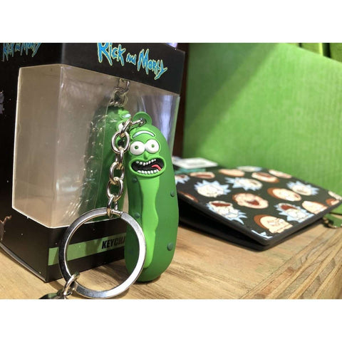 "Porte-clés 3D Rick and Morty ""Pickle Rick"" en caoutchouc-Very Bad Geek"