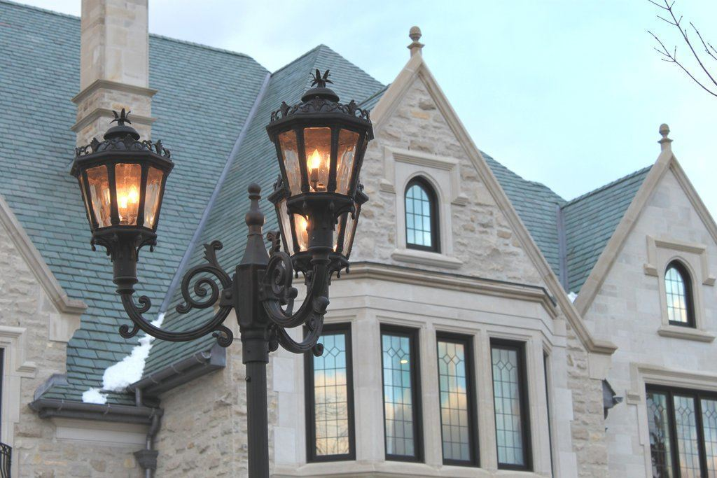 3 Reasons To Carefully Consider Your Homes Outdoor Lighting