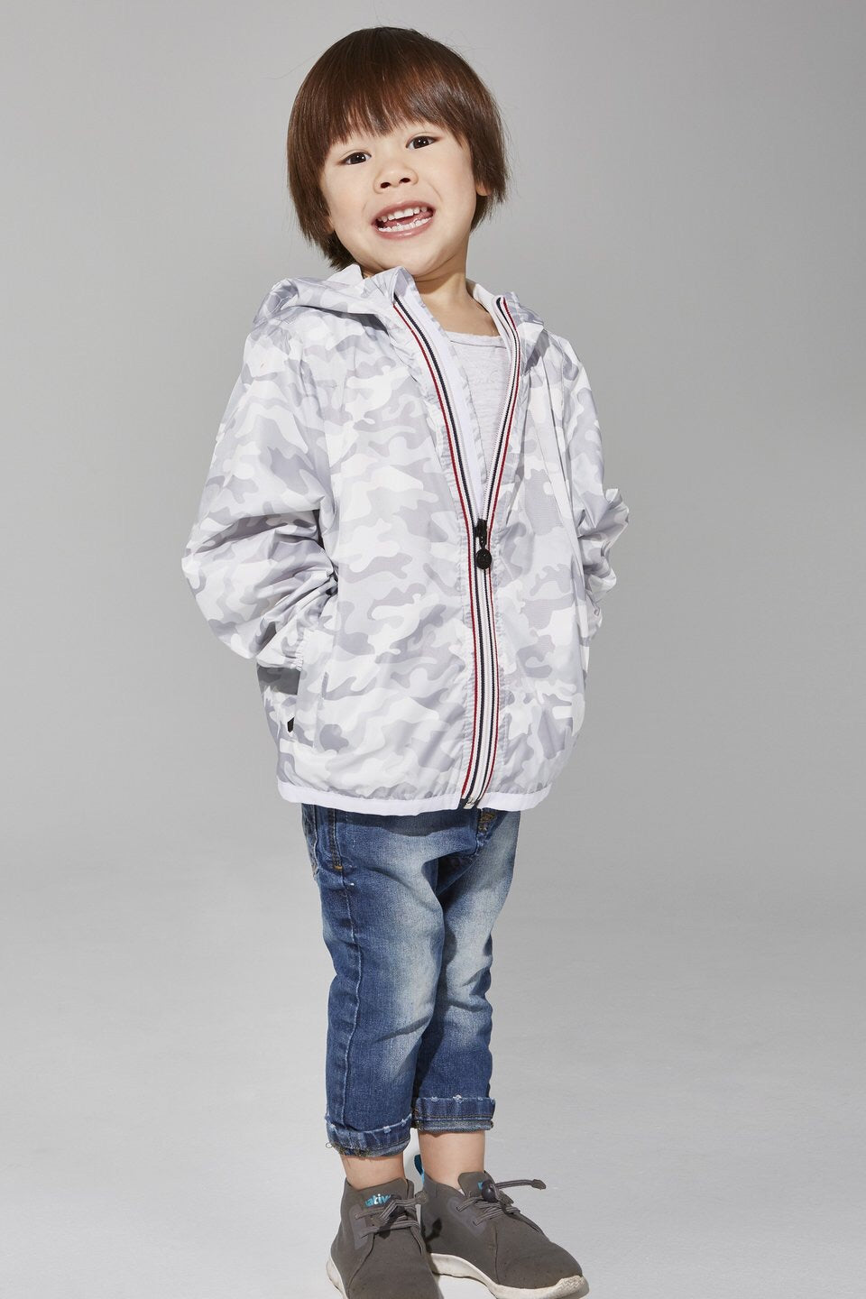 O8lifestyle - Kids White Camo Full Zip Packable Rain Jacket