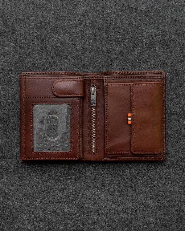 Brown Tudor Leather Traditional Large Capacity Wallet a