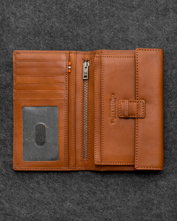 Tan Tudor Leather Traditional Wallet a
