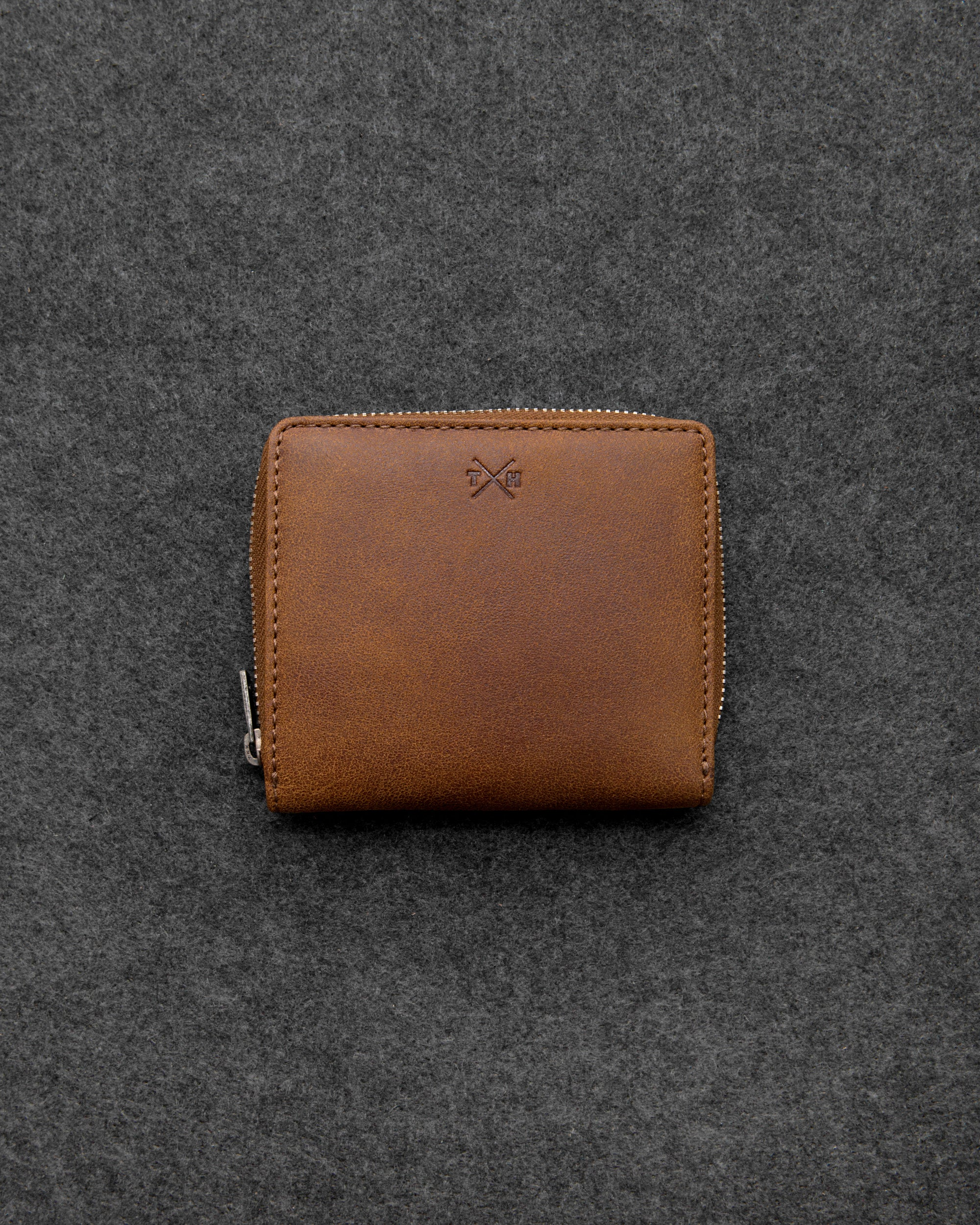 5a691e5ad6a9 Brown Yukon Leather Zip Round Leather Purse by Tumble and Hide