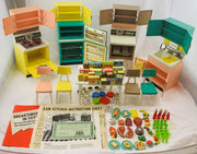 De Luxe Barbie Dream Kitchen - 1963 - Great Condition