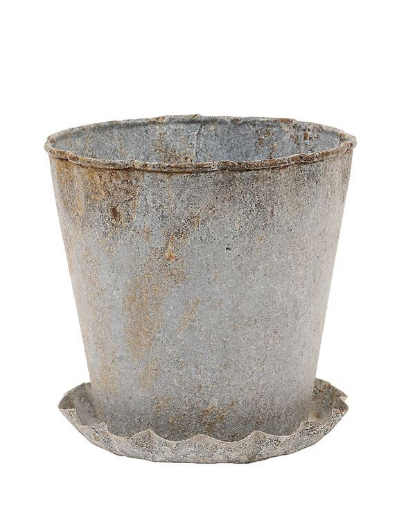 Metal Pot with Pleated Saucer