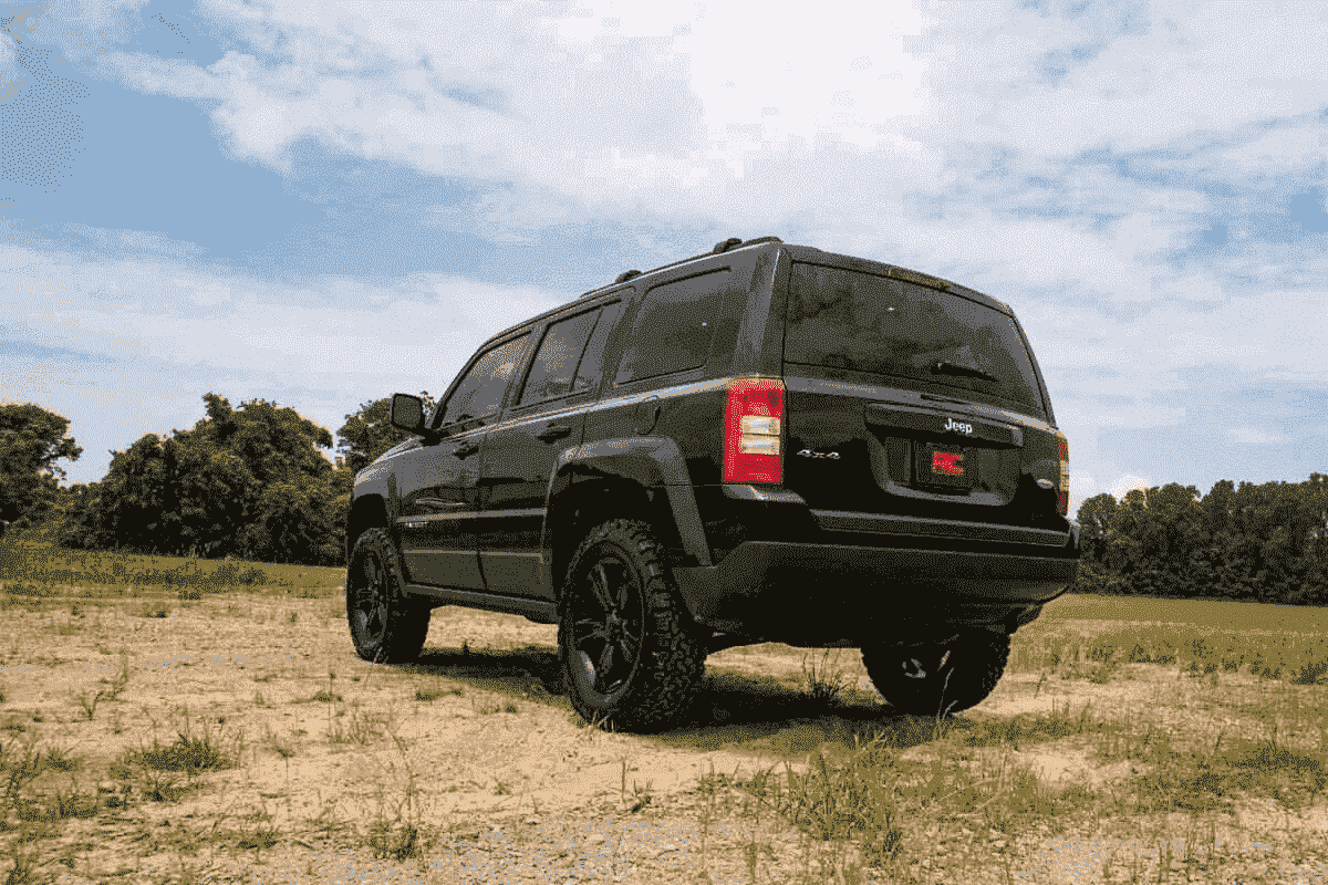 Rough Country 2 Inch Leveling Lift Kit For Jeep Patriot 2010 2017