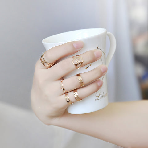 Dainty in Gold LadyStuff® x Wishbone Bear 6 Piece Ring Set