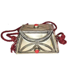 Load image into Gallery viewer, Moroccan Etched Silver Purse - Coral Bags & Purses